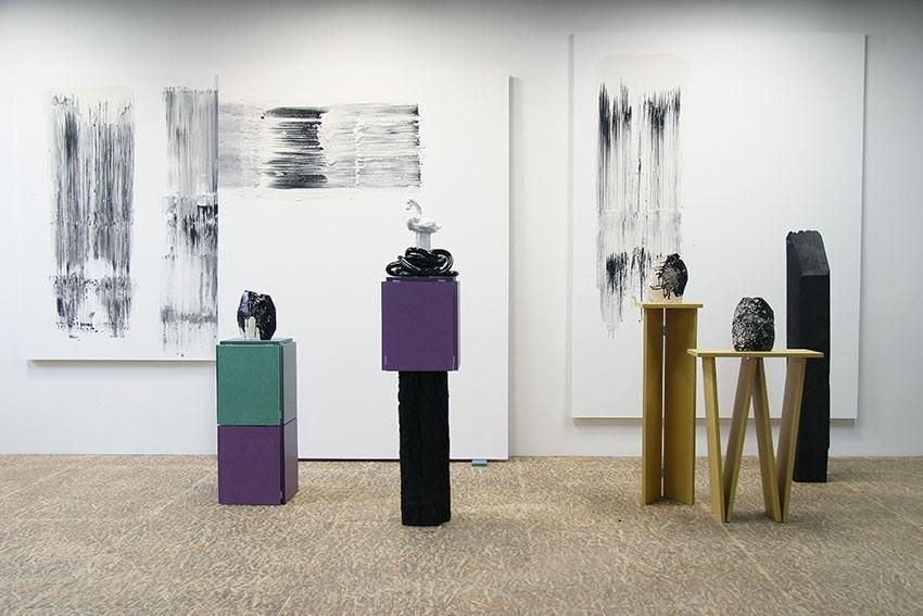 Exposition de l'artiste sculpteure Cecicile Meynier dans les locaux de l'association Canal Satellite/ Art Contemporain, à Migennes.